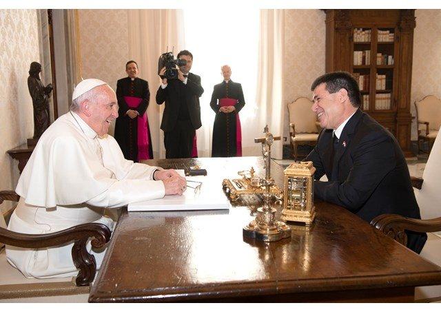 El Papa recibe al presidente de Paraguay