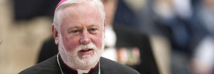 """Gallagher: """"La gente percibe que las palabras y gestos del Papa son sinceros. Ésa es su mayor fortaleza"""""""