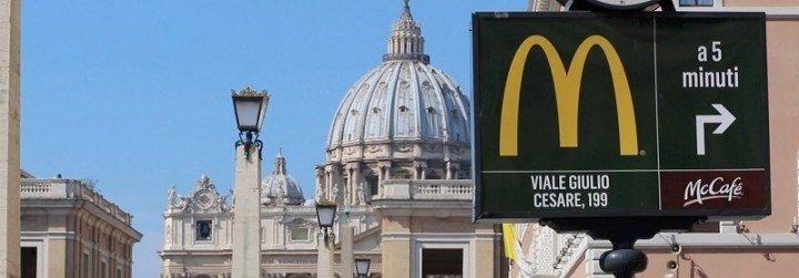 El McDonald's del Vaticano distribuirá hasta un millar de comidas a la semana a los indigentes de Roma