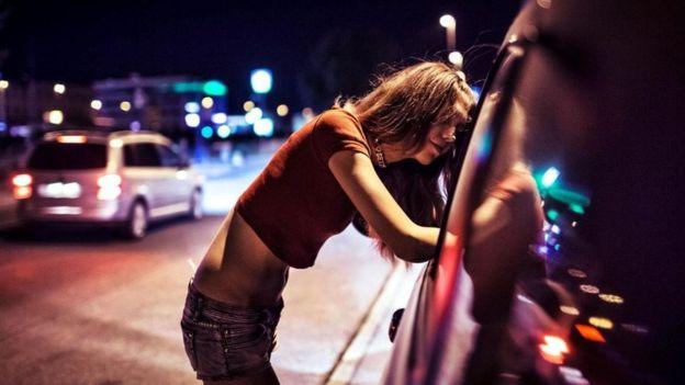 Las trabajadoras sexuales que venden el acceso a sus vidas privadas a través de las redes sociales