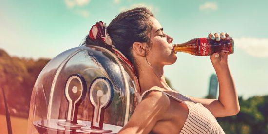 Coca Cola también retira su publicidad de Facebook y Twitter por censurar y desinformar