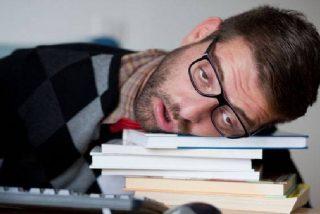 Los mejores trucos para no parecer dormido por las mañanas