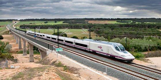 Alta Velocidad en España: El AVE encadena cuatro años récord al cerrar 2016 con 35,2 millones de viajeros