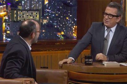 Buenafuente deja con el culo al aire al listillo de su entrevistado que le envió las preguntas que debía hacerle