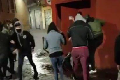 Vea el vídeo de la brutal paliza que unos cachorros de extrema izquierda dan a una chica