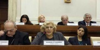 Carmena invita al Papa a visitar Madrid en abril