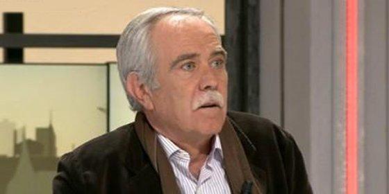 """El contundente mensaje de Pérez Henares a los políticos sectarios: """"¿Quieren dejarse ya de quitarle placas a las calles y quitar mierda de las aceras?"""""""