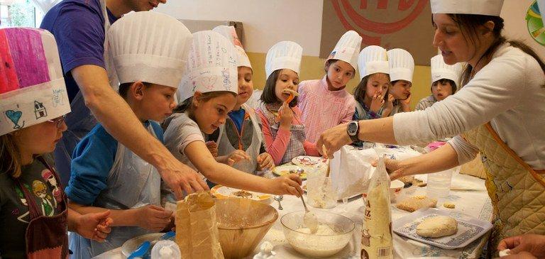 """300 alumnos de Navarra participan en los """"Grupos de Investigación: la comida no se tira"""""""