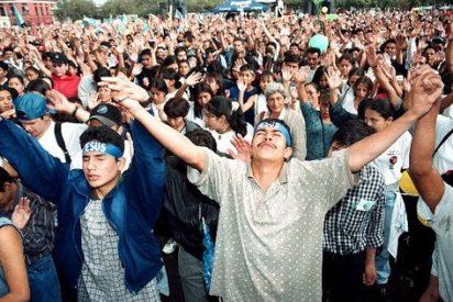 Gamboa afirma que las iglesias evangélicas 'son un problema de seguridad nacional'