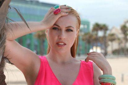 Las calientes confesiones de Daniela Blume a Elettra en el jacuzzi