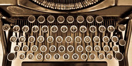 ¿Por qué las letras del teclado de tu ordenador aparecen desordenadas?