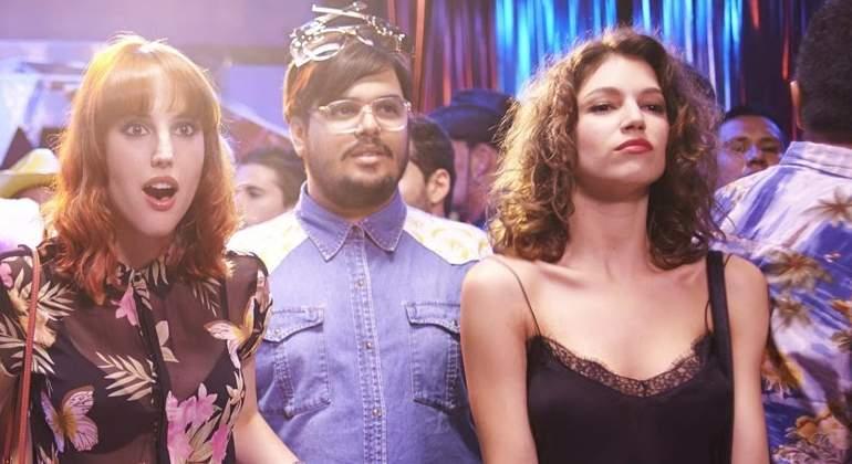 La 'loca' noche que acabó con Úrsula Corberó, Natalia de Molina y Brays Efe cachondas y en un club de intercambio de parejas