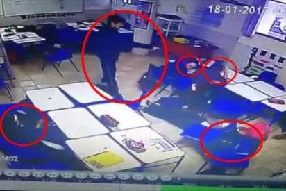 El niño deprimido dispara contra su profesora y tres compañeros y se suicida
