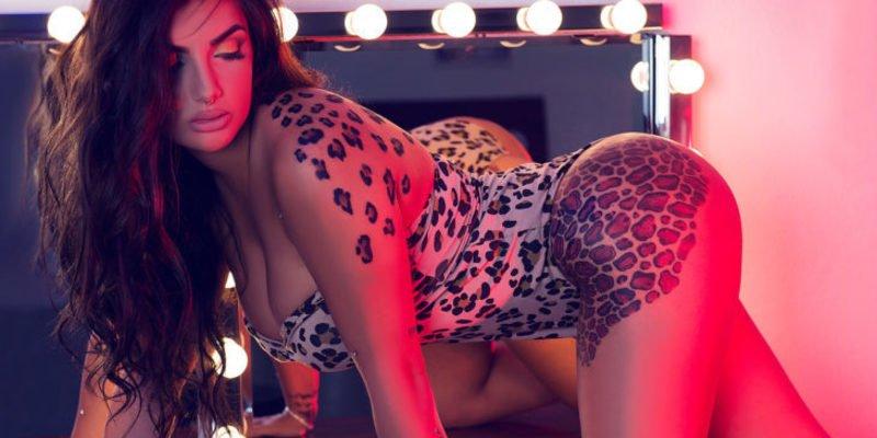 Elettra Lamborghini epata a los catetos de 'GH VIP' con sus 15 piercings de diamantes
