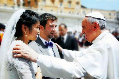 """El Papa, al Tribunal de la Rota: """"Se necesita mucha valentía para casarse en los tiempos que vivimos"""""""