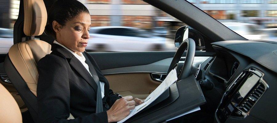 ¿A qué dedicaríamos el tiempo que empleamos en conducir?
