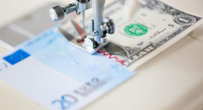 El euro pierde el nivel de 1,05 dólares quince años después de su entrada en circulación