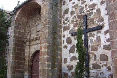 """La Junta pide """"apartar"""" al sacerdote cordobés procesado por abusos"""