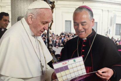 """Un obispo chileno sostiene que los curas casados """"son una voz de nuestro tiempo que hay que escuchar"""""""