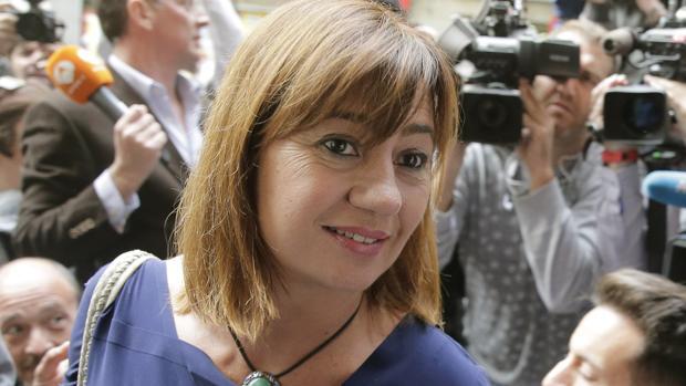 Francina Armengol y el PSE abandonan a Pedro Sánchez