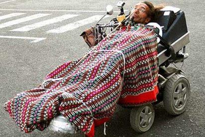 [VÍDEO] El tetrapléjico que iba al puticlub con su camilla motorizada por la autovía