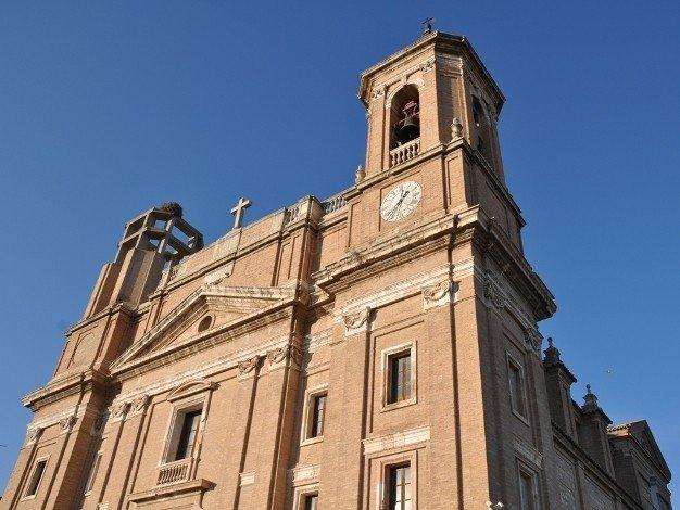 Dos religiosos, agredidos en Santa María la Mayor