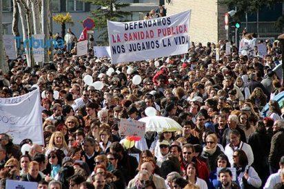 6.000 personas participan en la 'marea blanca' en Salamanca