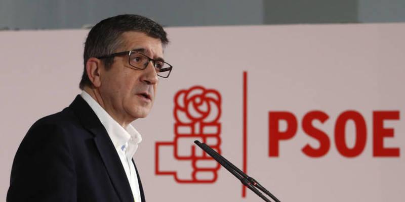 Patxi López propone un PSOE que gire a la izquierda y termine abrazado a Podemos