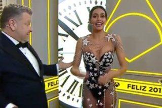 El estilista de Pedroche confiesa que tardaron media hora en ponerle el vestido y que pensaban que no llegaban a las uvas