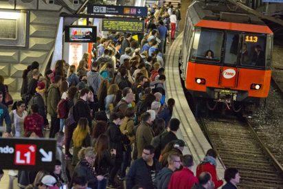 En un ambulatorio o aeropuerto hay más bacterias que en el metro de Barcelona