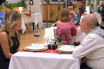 Maica se levanta de la mesa del restaurante para ir al baño y no vuelve en 'First Dates'