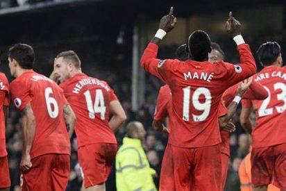 Liverpool comienza a despedirse del título de la Premier League