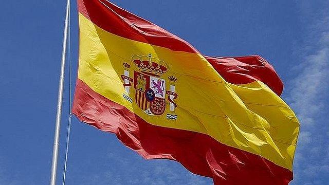 Aunque es pecado decirlo, en España se vive de traca