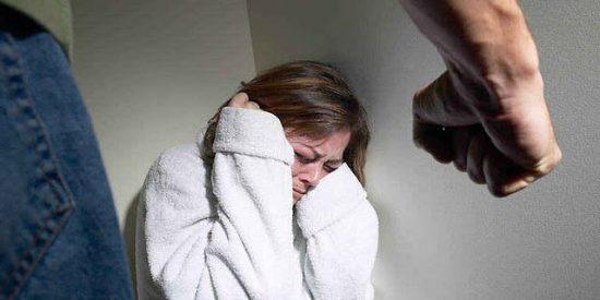 Rusia quiere que pegar a la mujer una vez al año no sea delito penal