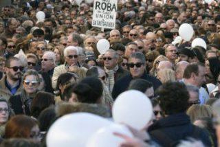 Manifestación multitudinaria en Andalucía contra los recortes del PSOE en sanidad