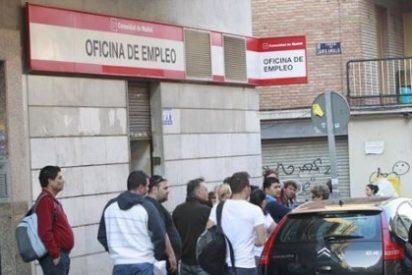 El paro registra en España su mayor descenso anual de la historia: bajó en 390.534 personas