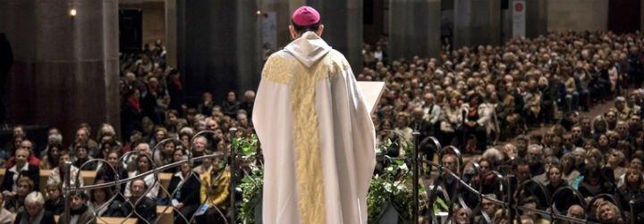 "Esglèsia Plural, a Omella: ""El aborto no es terrorismo"""