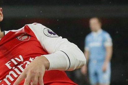 Özil la lía en el vestuario del Arsenal... ¡Por culpa del Nadal-Federer!