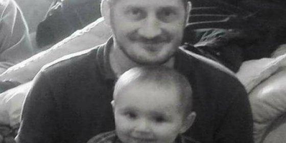 Un padre soltero con cáncer terminal pasa sus últimos días buscando una familia adoptiva para su hijo