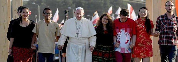 """El Vaticano reconoce que los jovenes """"están aprendiendo a vivir sin Dios y sin Iglesia"""""""