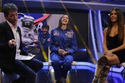 Cristina Pedroche está en la luna y todavía no se ha enterado de que en la Tierra también hay vida inteligente