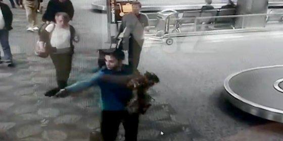 El excombatiente de Irak liándose a tiros con su 9 milímetros en el aeropuerto de Fort Lauderdale