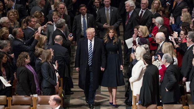 En medio de protestas, Trump asistió a un oficio interreligioso en la catedral
