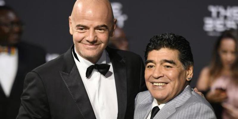 """Maradona apoya la """"fantástica idea"""" de Infantino de ampliar el Mundial a 48 equipos"""