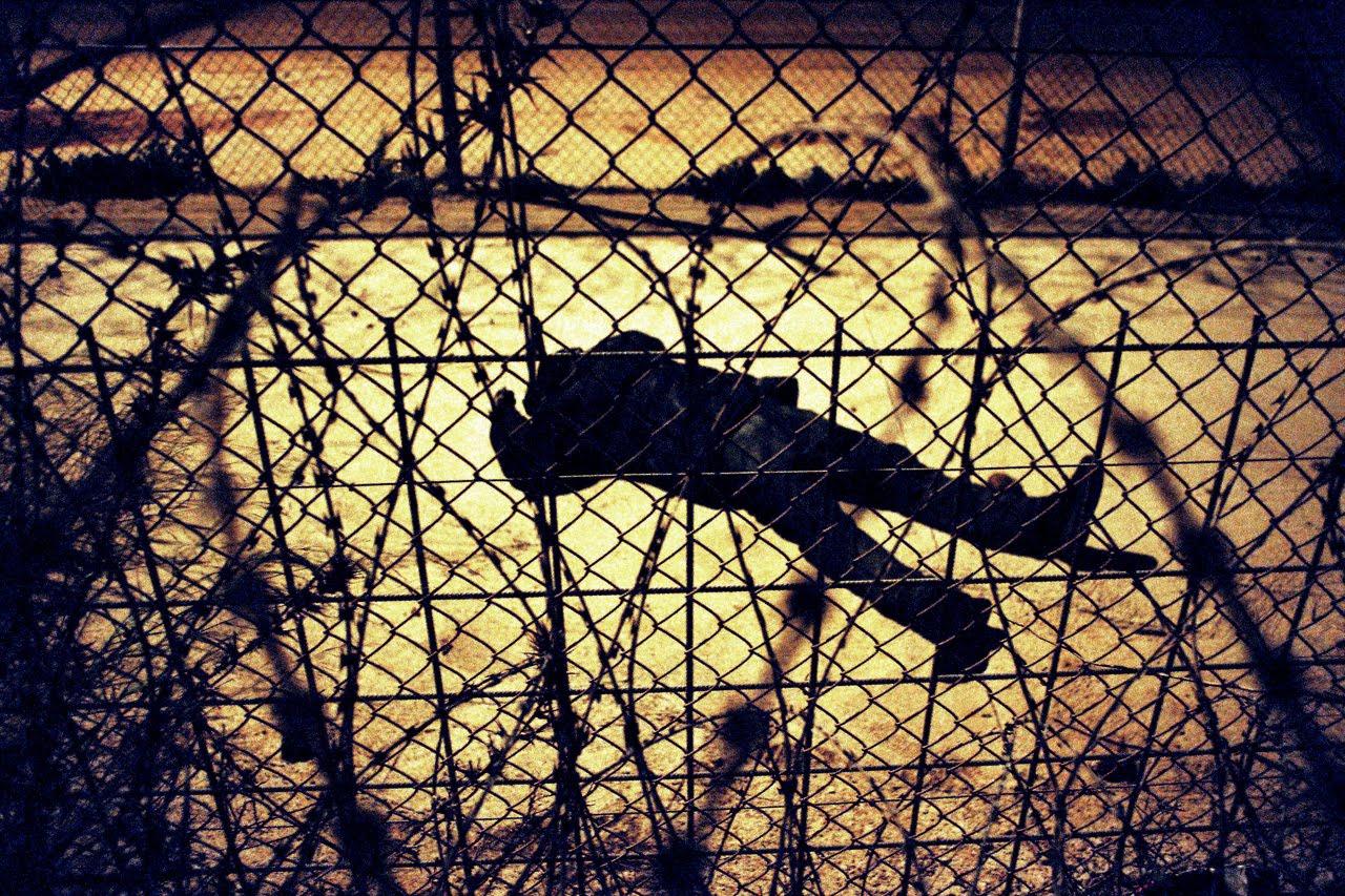 """Cáritas, CONFER y Justicia y Paz reclaman una política de fronteras que evite """"la inhumanidad del alambre"""""""