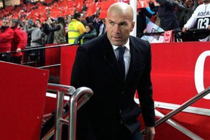Zidane 'monta el lío' con un ataque de entrenador en Sevilla (y se lo come)