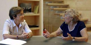 El PSOE acude raudo y solícito al rescate de la 'abuelita' Carmena