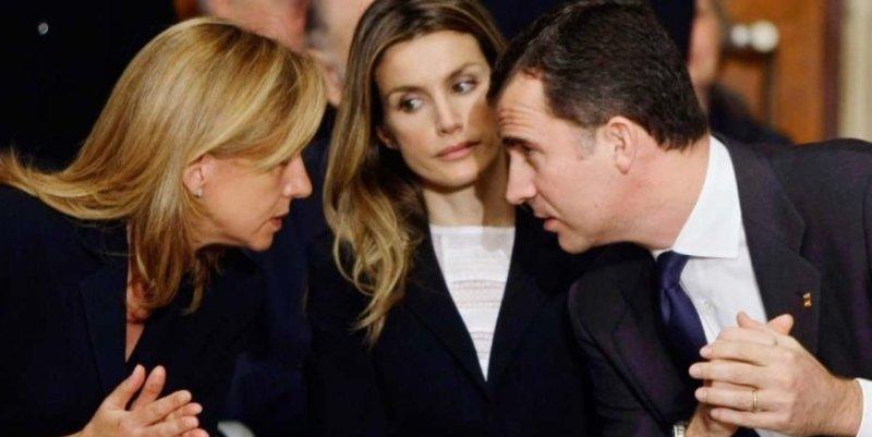 El Rey sopesa rehabilitar a la Infanta, presionado por su madre Sofía y con reticencias de Letizia