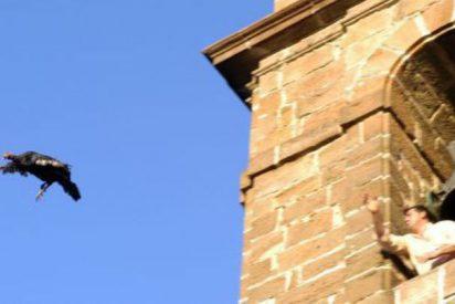 Pegan un puñetazo en la frente un cámara de Telecinco durante el lanzamiento de la pava de Cazalilla