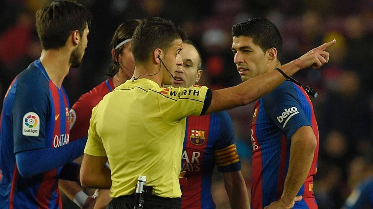 """La prensa mundial se cachondea del Barça: """"Con el culé entre las patas"""""""